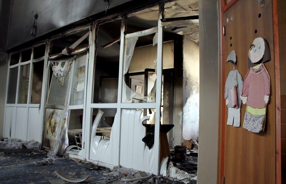 Teröristler anaokuluna saldırdı! 4
