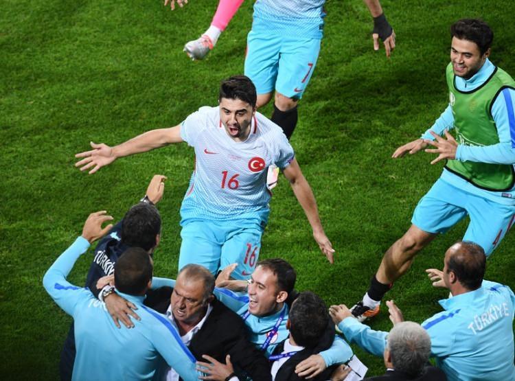 Türkiye-Çek Cumhuriyeti maçı Dünya basınında 13