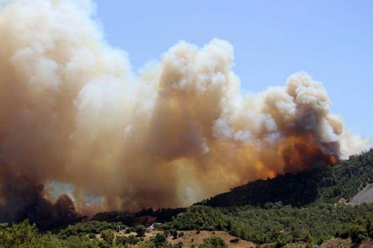 Tatil cenneti alev alev yanıyor! 9