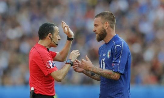 İtalyanlar'dan Cüneyt Çakır için ağır sözler! 2