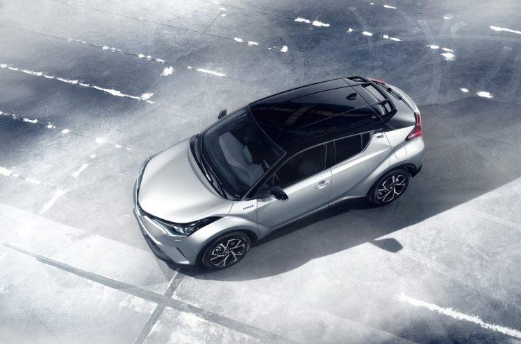 Toyota C-HR'nin iç mekanı ortaya çıktı 21