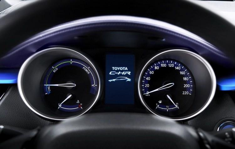 Toyota C-HR'nin iç mekanı ortaya çıktı 4