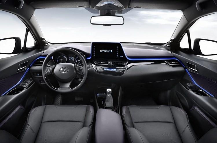 Toyota C-HR'nin iç mekanı ortaya çıktı 5