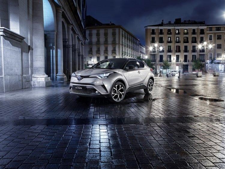 Toyota C-HR'nin iç mekanı ortaya çıktı 8