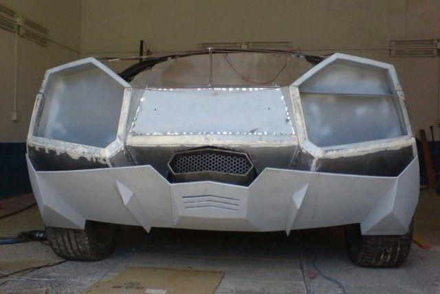 Evinde Lamborghini yaptı! 1