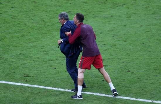 Dünya Ronaldo'nun bu hareketlerini konuşuyor! 1