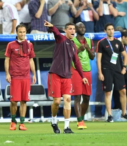 Dünya Ronaldo'nun bu hareketlerini konuşuyor! 12