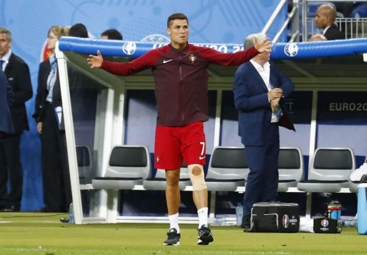 Dünya Ronaldo'nun bu hareketlerini konuşuyor! 15