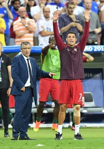 Dünya Ronaldo'nun bu hareketlerini konuşuyor! 8