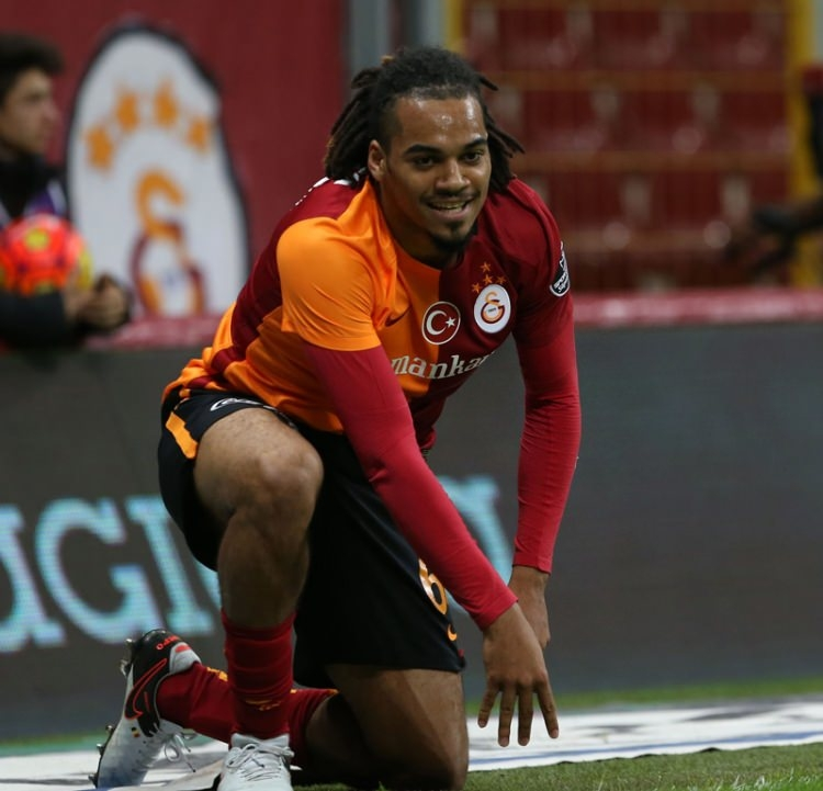 Galatasaray'da Sabri Sarıoğlu devrimi! 17