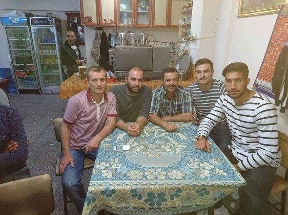 Liverpool'un Türk yıldızı köy kahvesinde! 2