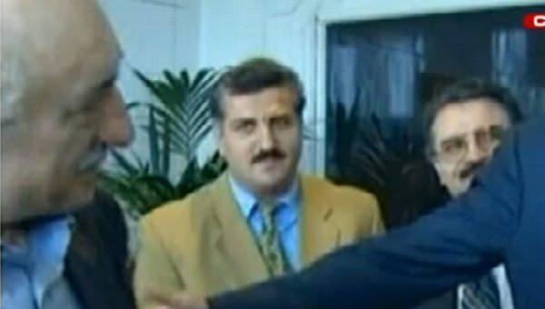 FETÖ lideri Gülen'in 72 hizmetkârı 28