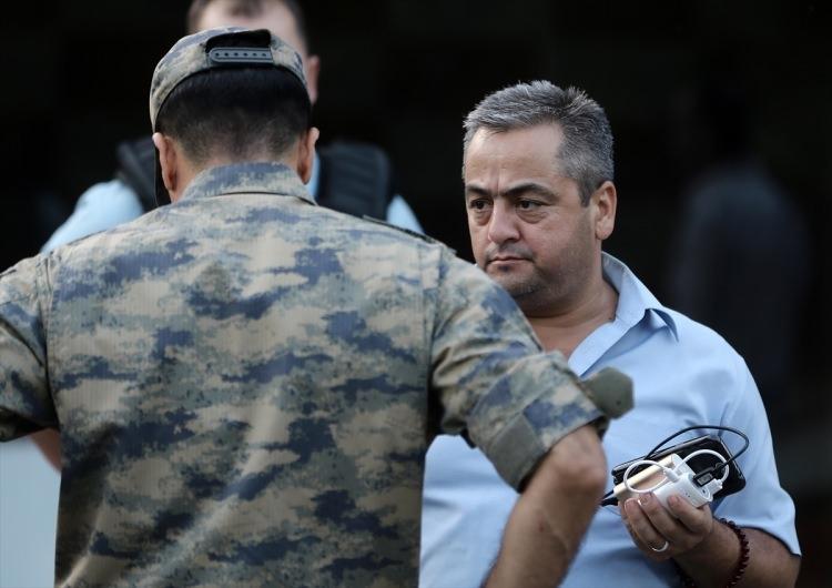 Askerler neden kollarına kırmızı-beyaz flama taktı? 86