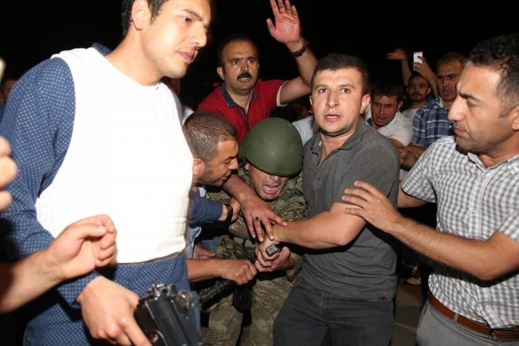 İşte tutuklanan darbeci komutanlar 29