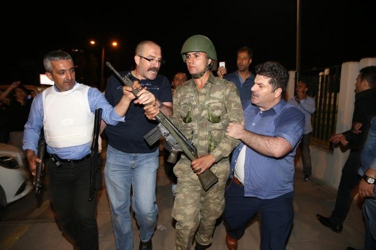 İşte tutuklanan darbeci komutanlar 43