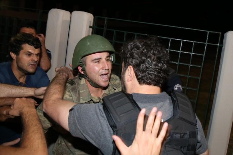İşte tutuklanan darbeci komutanlar 58