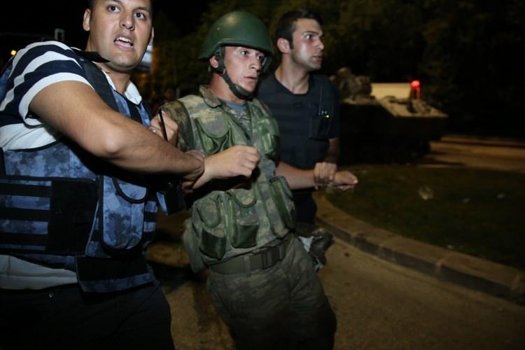 İşte tutuklanan darbeci komutanlar 62