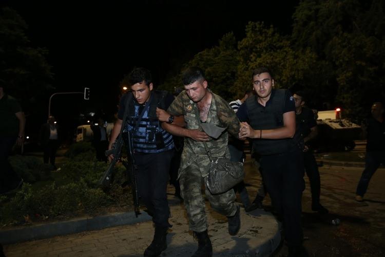 İşte tutuklanan darbeci komutanlar 69