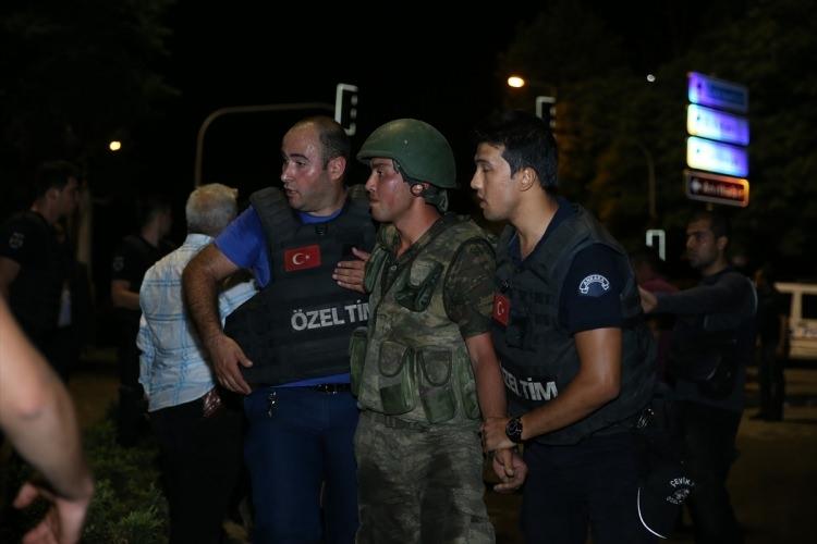 İşte tutuklanan darbeci komutanlar 80
