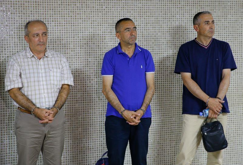 Yunanistan'a kaçan darbeciler Adliye'ye böyle geldiler 72