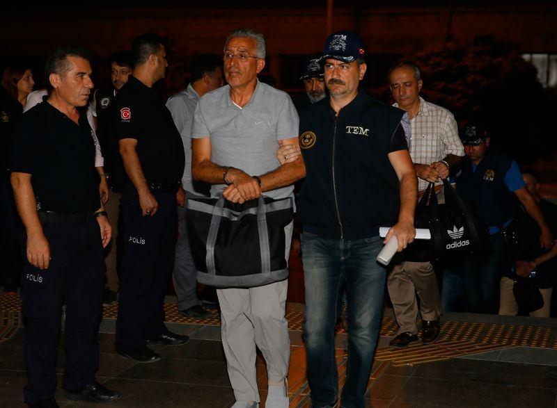 Yunanistan'a kaçan darbeciler Adliye'ye böyle geldiler 73