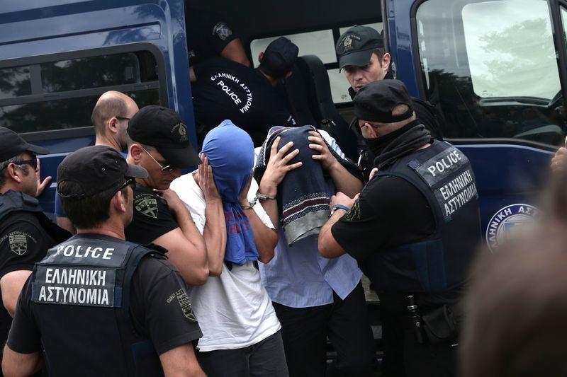 Yunanistan'a kaçan darbeciler Adliye'ye böyle geldiler 8