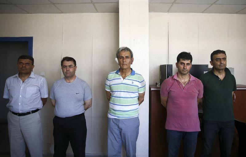 Yunanistan'a kaçan darbeciler Adliye'ye böyle geldiler 89