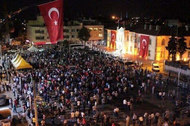 Meydanlar doldu, nöbet sabaha kadar sürdü 65