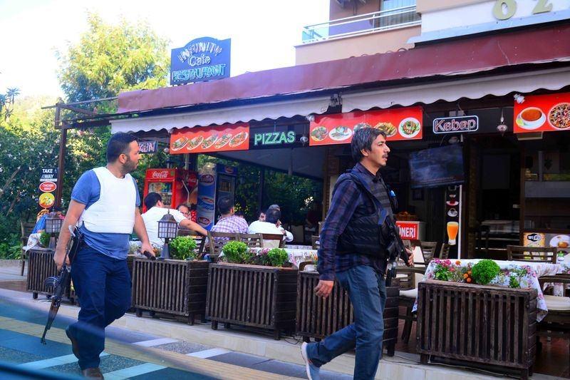 Erdoğan'ın konakladığı otele yapılan saldırının izleri 61