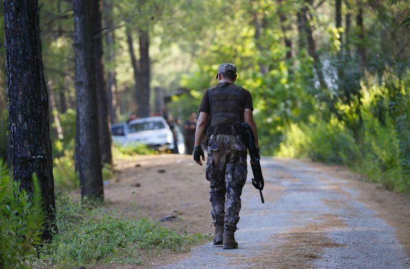Her yerde 'Darbeci askerleri' arıyorlar! 12