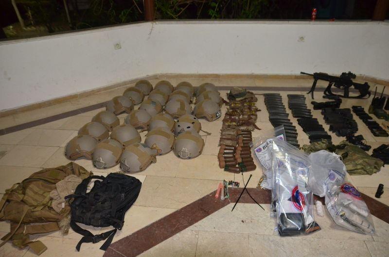 Otel baskınındaki silahlar bulundu! 19