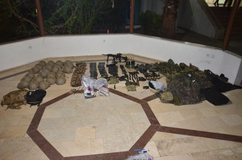 Otel baskınındaki silahlar bulundu! 27