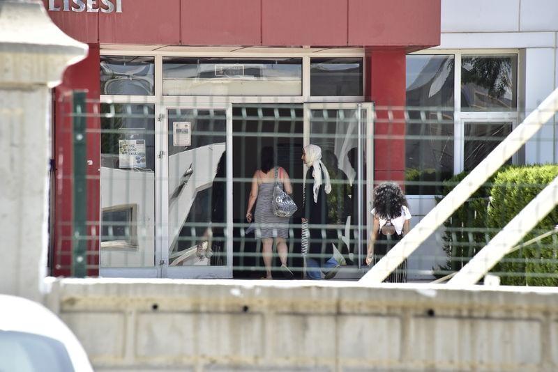 FETÖ'cu okullar tek tek kapatılıyor! 24