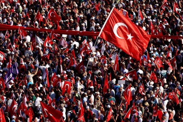 Taksim'de demokrasi mitingi 1