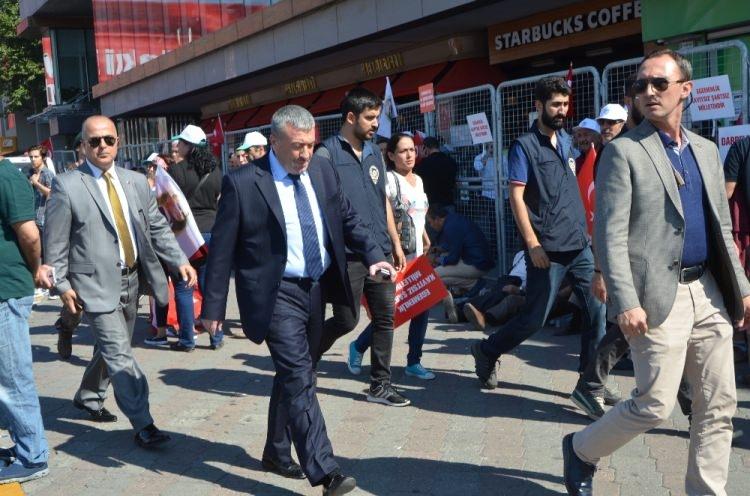 Taksim'de demokrasi mitingi 10