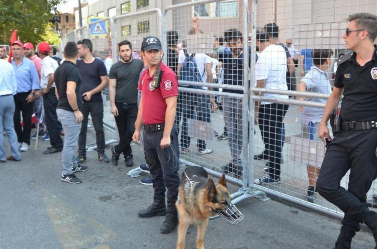 Taksim'de demokrasi mitingi 12