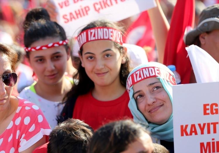 Taksim'de demokrasi mitingi 14