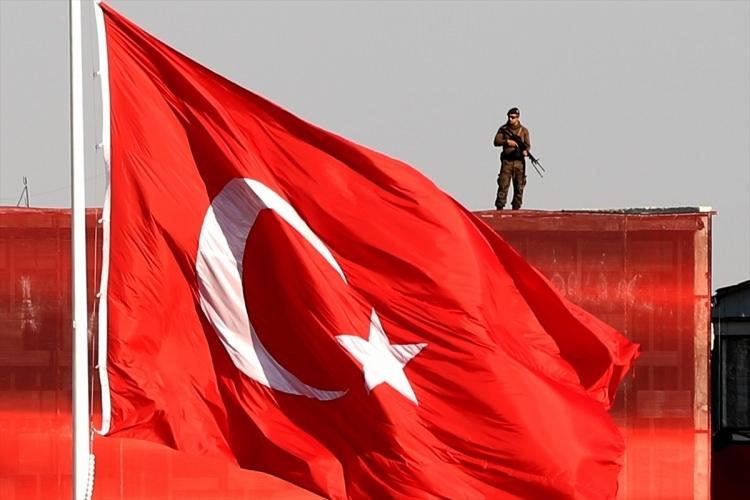Taksim'de demokrasi mitingi 19