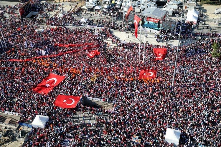 Taksim'de demokrasi mitingi 4