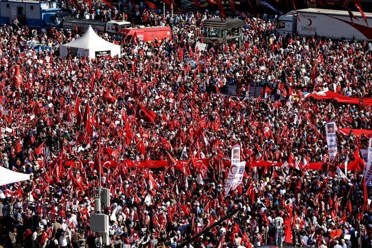 Taksim'de demokrasi mitingi 8