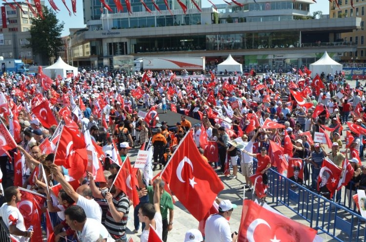 Taksim'de demokrasi mitingi 9