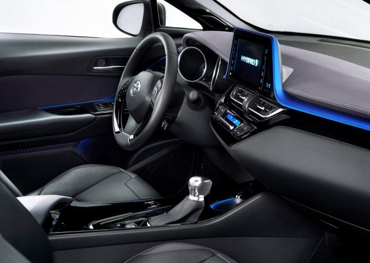 Toyota C-HR ne zaman satışa sunuluyor? 10