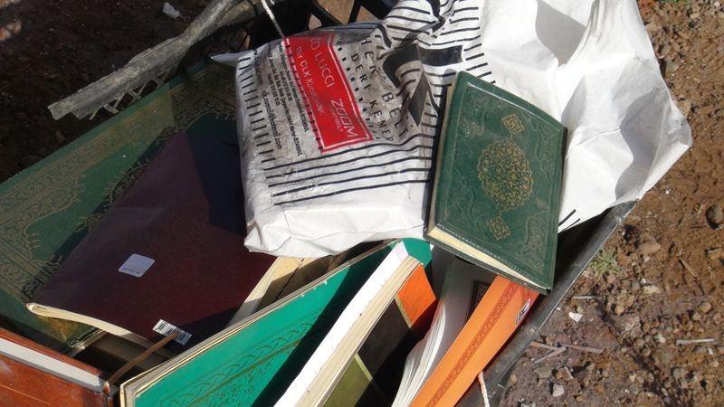 FETÖ'cü darbeciler Kur'an-ı bile yerlere atmış! 25