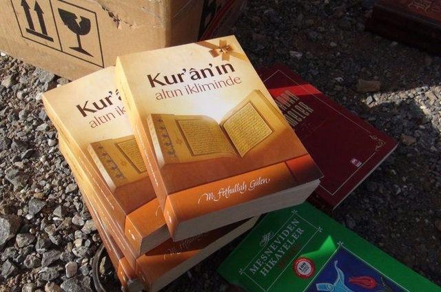 FETÖ'cü darbeciler Kur'an-ı bile yerlere atmış! 6