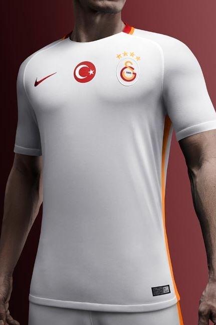 Galatasaray'ın yeni formaları tanıtıldı 12