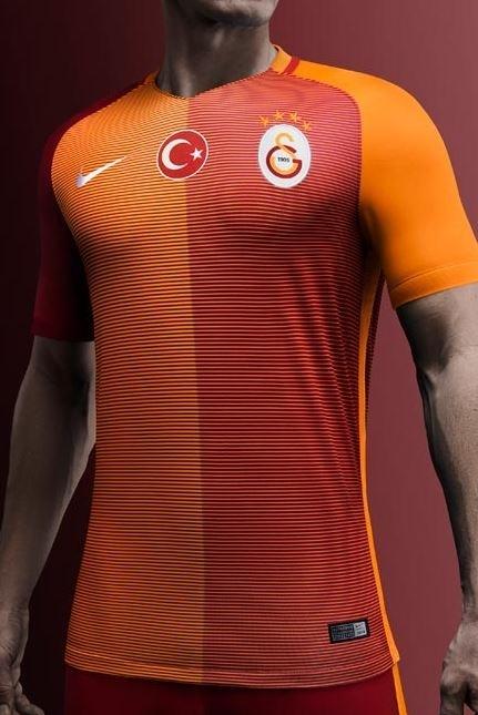Galatasaray'ın yeni formaları tanıtıldı 13