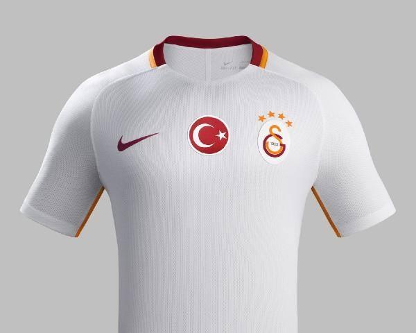 Galatasaray'ın yeni formaları tanıtıldı 5