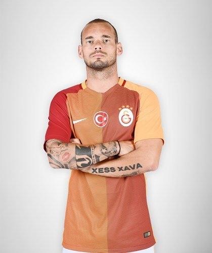 Galatasaray'ın yeni formaları tanıtıldı 9