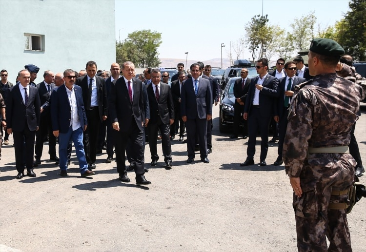 Erdoğan, Özel Harekat Daire Başkanlığı'nı ziyaret etti 14
