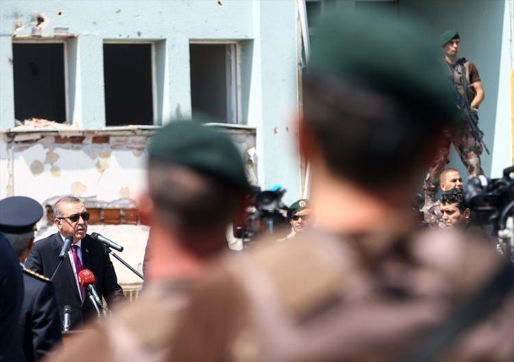 Erdoğan, Özel Harekat Daire Başkanlığı'nı ziyaret etti 21